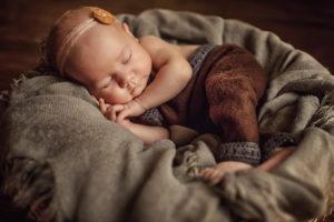 Newborn session by Daniela Sterea